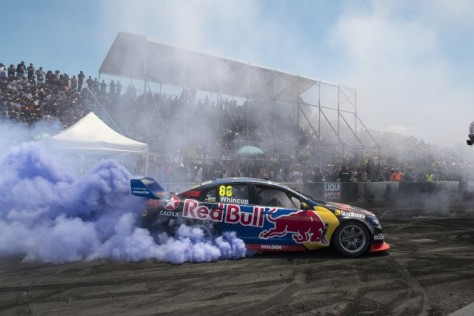 rbr-whincup-burnout-e1452402100699