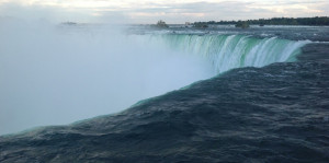 niagra-falls-from-deep-and-wonderful-thoughts1